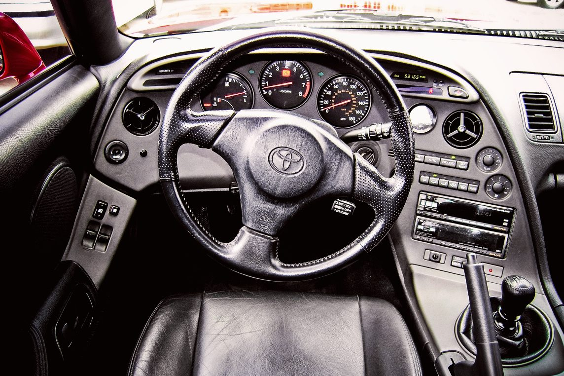 Toyota-Supra-interior-and-electronics-e1524133910376